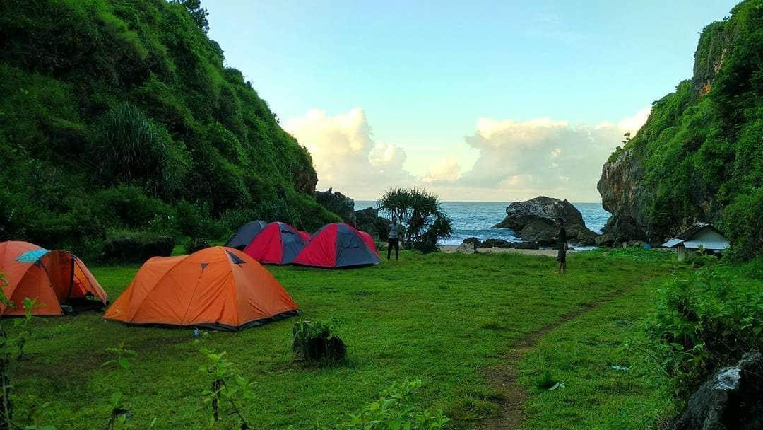 Camping Pantai Wohkudu