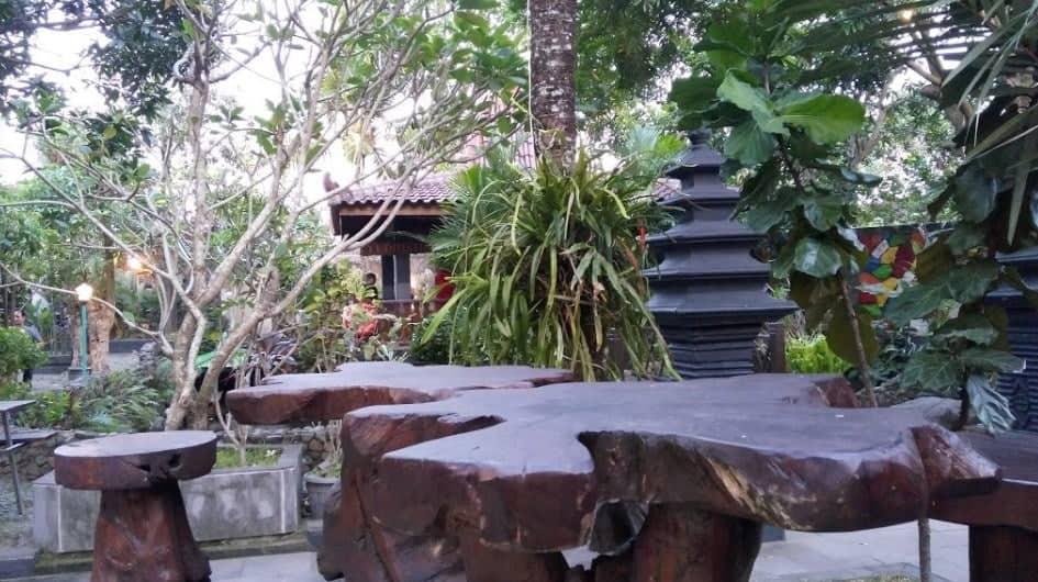 Lemah Ledok Garden Resto