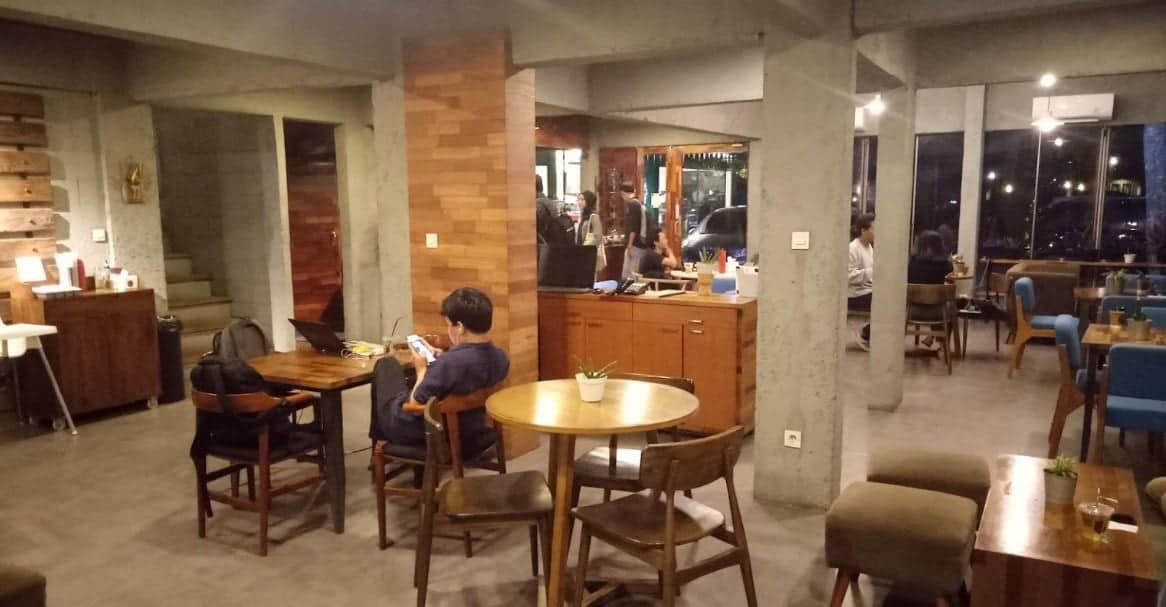 Ekologi Desk & Coffee