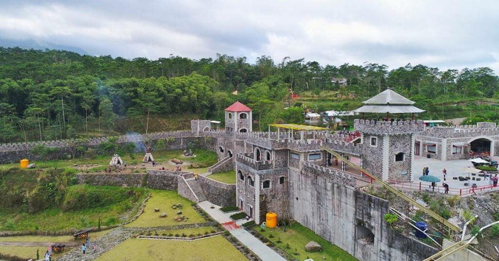 Mau ke Wisata Tembok Cina Jogja Ngetrip Aja Yuk ke The Lost World Castle