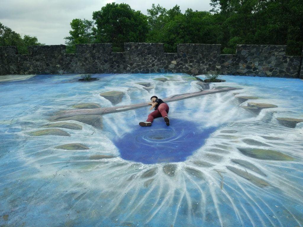 Spot Foto Lukisan 3D di The Lost World Castle