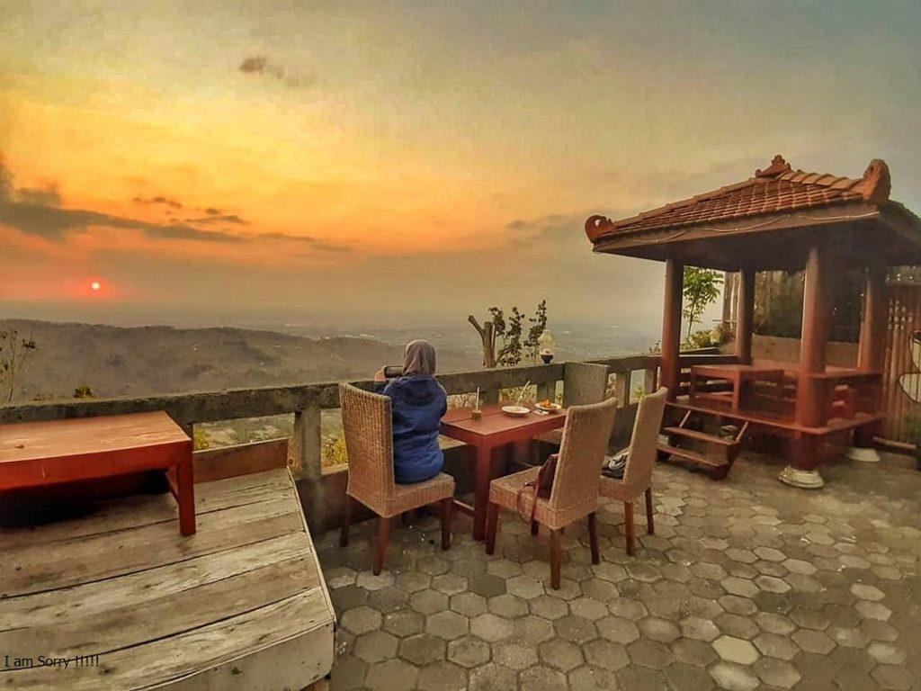 Sunset di Wisata Watu Amben Jogja