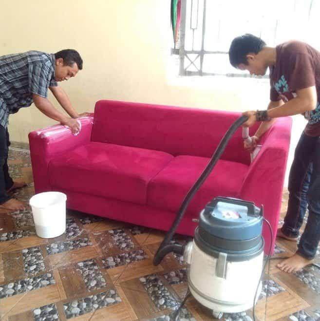 Hari Jaya Cuci Sofa